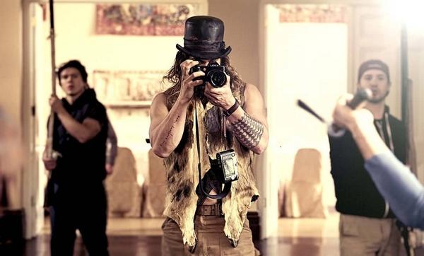 Leica camera Momoa