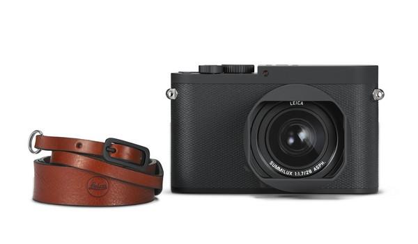 Leica mirrorless