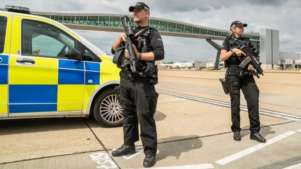 Droni Gatwick arresti