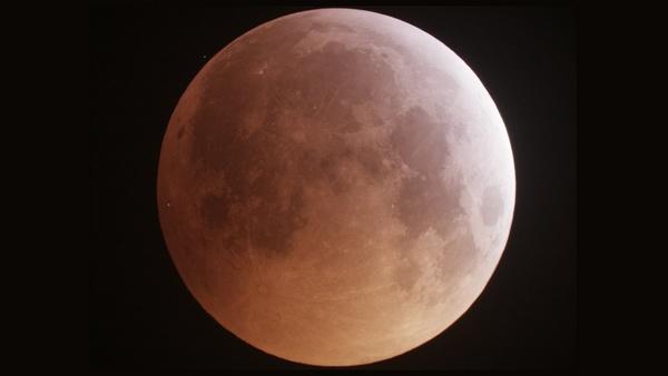 Eclisse lunare meteorite