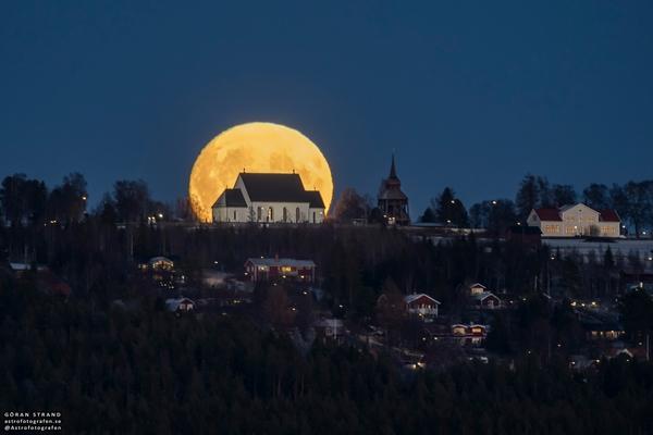 fotografare la luna piena